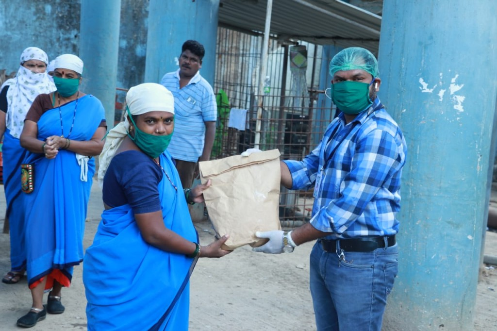 Cleanliness workers provided with essential hygiene items